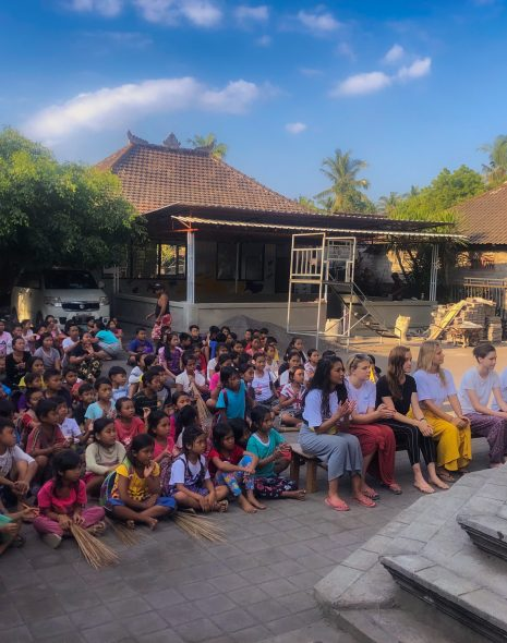 School in Bali volunteers volunteering abroad. Should you volunteer abroad?
