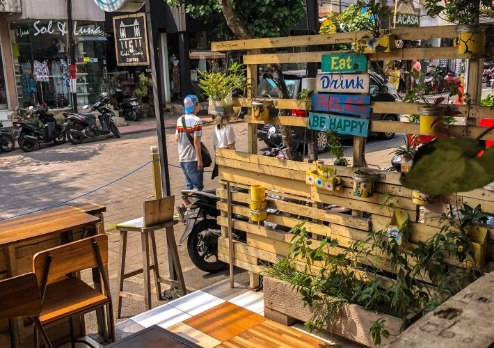 Binar Healthy Food and Drink, a good restaurant in Ubud, Bali for vegan and vegetarian and Indonesian food.