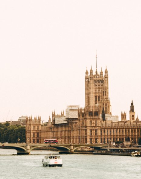 Image of London landmarks Big Ben and the Houses of Parliament for a list of London landmarks for your bucket list